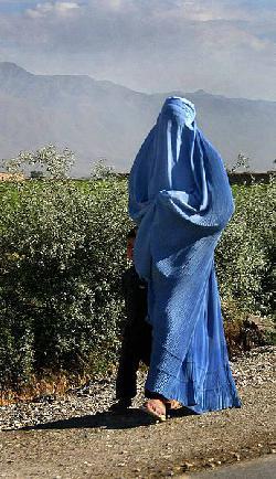 Warum die Burka verboten gehört!