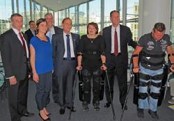 Israelisches Unternehmen hilft Rollstuhlfahrern, gehen zu lernen