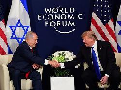 Premierminister Netanyahu trifft in Davos mit US-Präsident Trump zusammen